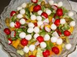 Bunter Salat mit Joghurt- oder Kräuterdressing